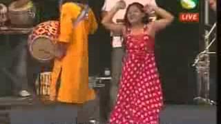 Bangla Song  By Momotaj Baishakhi Mela 2009 London    Oh Panka