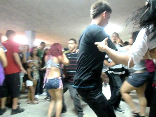 IDANIRA Y Joselito bailando merengue