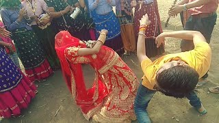 दुल्हा - दुल्हन ने मीणा गीतों पे जबरदस्त डान्स किया देखकर मज़ा आ जायेगा