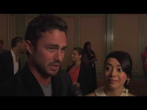 Trauma - Taylor Kinney, Aimee Garcia & Cliff Curtis - Bloody Broken Legs On Set Video