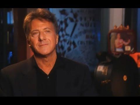 Dustin Hoffman fond en larmes quand il explique une chose si douloureuse pour toutes les femmes