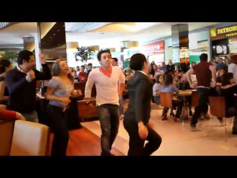 Mamma Mia! - Flash Mob no Shopping Vila Olmpia