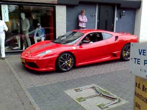 Ferrari F430 Scuderia FLATOUT in the city!