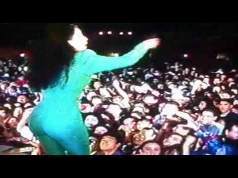 Selena - Si La Quieres (English Translation)