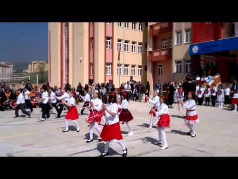 Bolu Karaköy Toki İ.Ö.O. 4/B sınıfı 23 Nisan Gösterisi