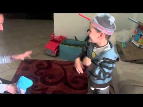 2012: Il rito della Macumba  Bambini che ballano BAMBINI DIVERTENTI VLOG – Vlog Giornalieri