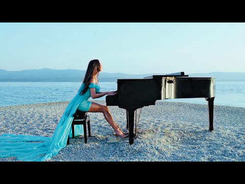 Lola Astanova - Inspirit (Official Music Video)