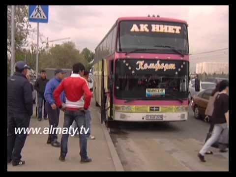 «Сайран» автобекетінің маңында заңсыз тұрақтаған автобустар мәселесі