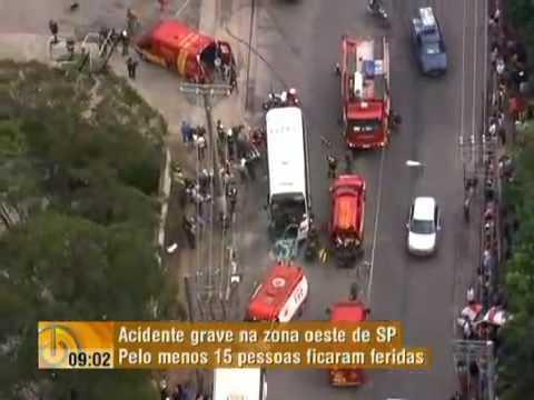 Grave acidente com micro ônibus deixa mais de 25 feridos