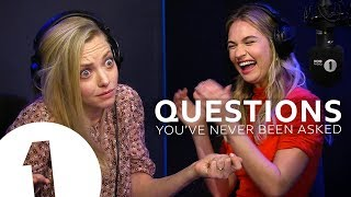 Download Lagu Mamma Mia's Amanda Seyfried & Lily James answer questions they've never been asked Gratis STAFABAND