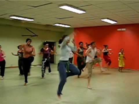Dance routine - west african - sabar rythm - class in Paris