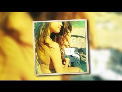 Selena Gomez Shows Off Her Bikini Body | Splash News TV | Splash News TV thumbnail
