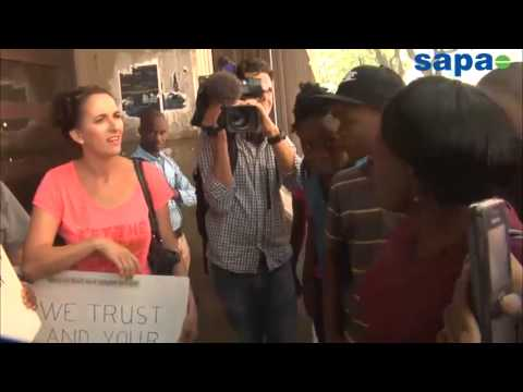 People arguing outside the Pretoria magistrate court.mp4
