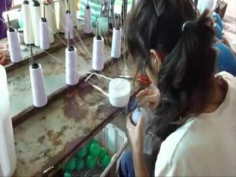 fabrication de boules de coton pour les guirlandes lumineuses asia zen shop youtube. Black Bedroom Furniture Sets. Home Design Ideas