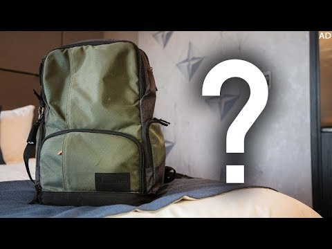 What's in MarzBars Travel Tech Backpack 2018!
