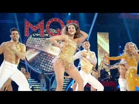 http://videos.univision.com/shows/mira-quien-baila La jueza cantó y bailó 'I Wanna Dance With Somebody' junto a Marjorie de Sousa, Johnny Lozada y Pedro Moreno en la apertura de la final....