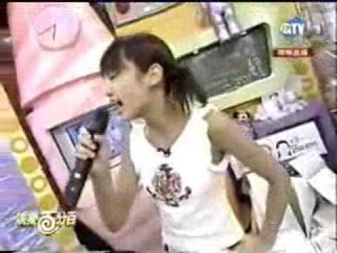 安室奈美恵と浜崎あゆみのモノマネをするレイニー・ヤン