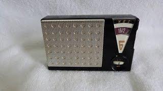1962 NEC model NT-610 transistor radio (made in Japan)