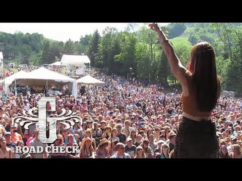 Gloriana Road Check: Episode 5 (Taste Of Country + Sheryl Crow)