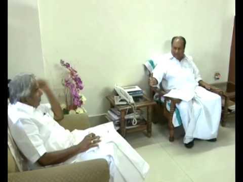 Nitaqat Issue - Kerala Chief Minister Shri.Oommen Chandy meets A.K. Antony