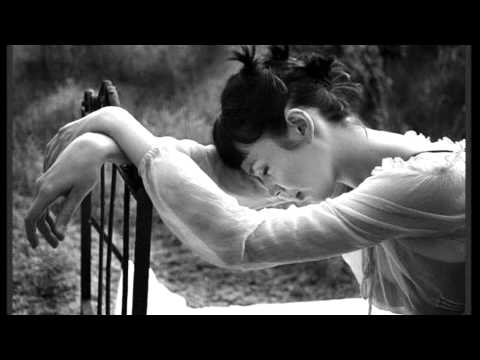 Kuch Is Tarah (unplugged) - Atif Aslam