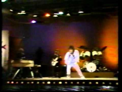 Sos una locura en el recital Frente a frente 1981 ATC. HQ
