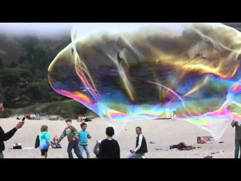 Giant Stinson Beach Bubbles (Canon 550D) Video