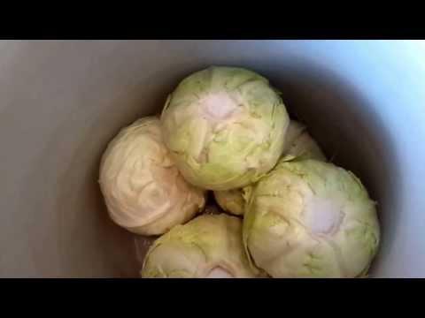 Как приготовить квашенную кислую капусту целиком в кочанах . Сербская кухня с Леной Лазич.