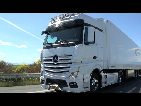 Mercedes-Benz Sarantis on the road...