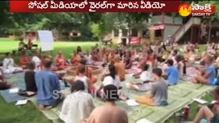 Foreigners Conducts Yagnam || Viral in Social Media - Watch Exclusive