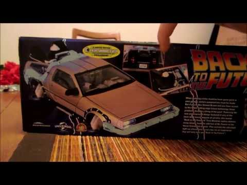 Back To The Future - Part II Delorean DMC-12 Time Machine Unboxing & Review  - Diamond Select