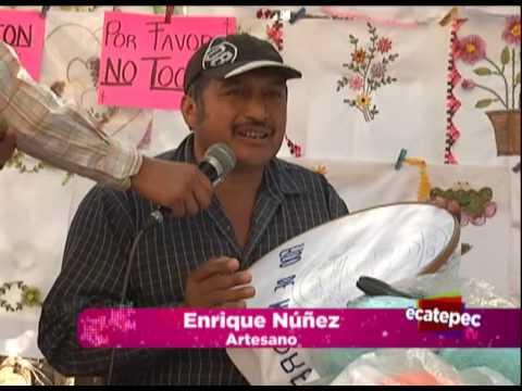 Hombre vive del bordado en Ecatepec
