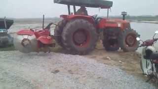 Tractor Batas Tempek Di Pmtg Kerai Kecil (Ahad 12 10 2014)