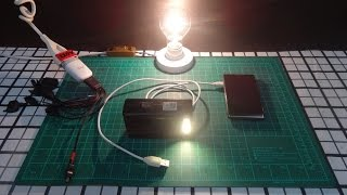 DIY Homemade Solar Power Bank!