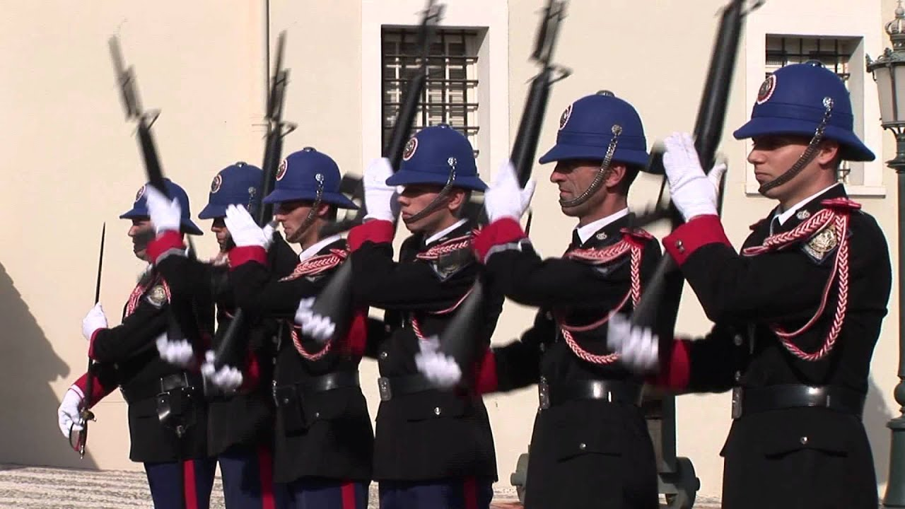 Rel 232 Ve De La Garde Carabiniers Du Prince Youtube