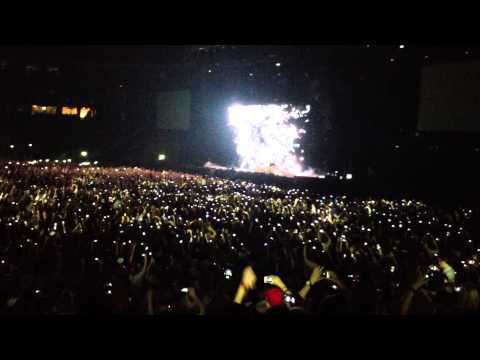 Swedish House Mafia at Friends Arena, Intro ID / Greyhound