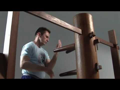 Wing Chun s Mook Yan Jong Wooden Dummy Form slowmotion Image 1