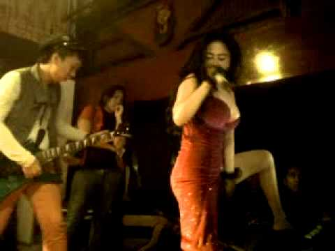 Dewi Persik Perform At Sahara Club...(lombok) video