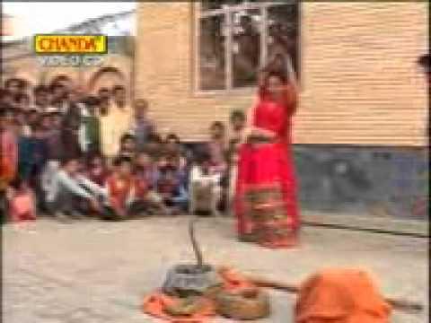 Teri Patli Kamar Jab Lachak Lachak Lachkaaye Song Uttar Kumar Haryana Movie Haqdar Song Sonu Salmani video