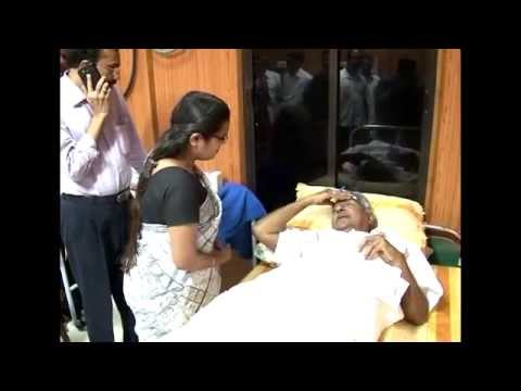 Kerala CM Oommen Chandy at Medical College Hospital