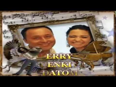 SIHELL FERRY &  HENNA - MINDENKIVEL TUDATOM