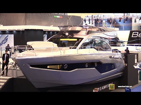 2018 Cranchi E52 F Yacht - Walkaround - 2018 Boot Dusseldorf Boat Show