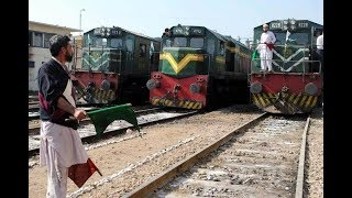 11 In 1 || Pakistan Train Race || Parallel Trains Action Compilation || Rare Collection || Part 3