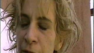 AMANDA PLUMMER - Very Quietly