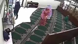 CAUGHT STOLEN IN MOSQUE