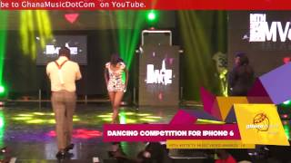 Girl almost goes naked for iPhone 6 @ 4Syte TV Music Video Awards '14
