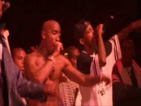 2Pac - Gangsta Party ft. Snoop Dogg (Concert)