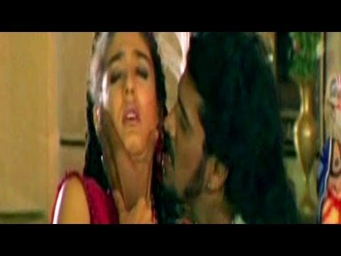 Upendra, Raveena Tandon, Laakhan - Scene 10 13 video