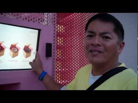SPRINKLES CUPCAKE ATM VENDING MACHINE IN BEVERLY HILLS IN LOS ANGELES, CA!!! PART 1