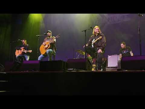Download  Born here, Live Here, Die Here- Luke Bryan Gratis, download lagu terbaru